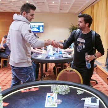 Eibinger Shakes Hands With Andras Nemeth at 2018 EPT Prague High Roller